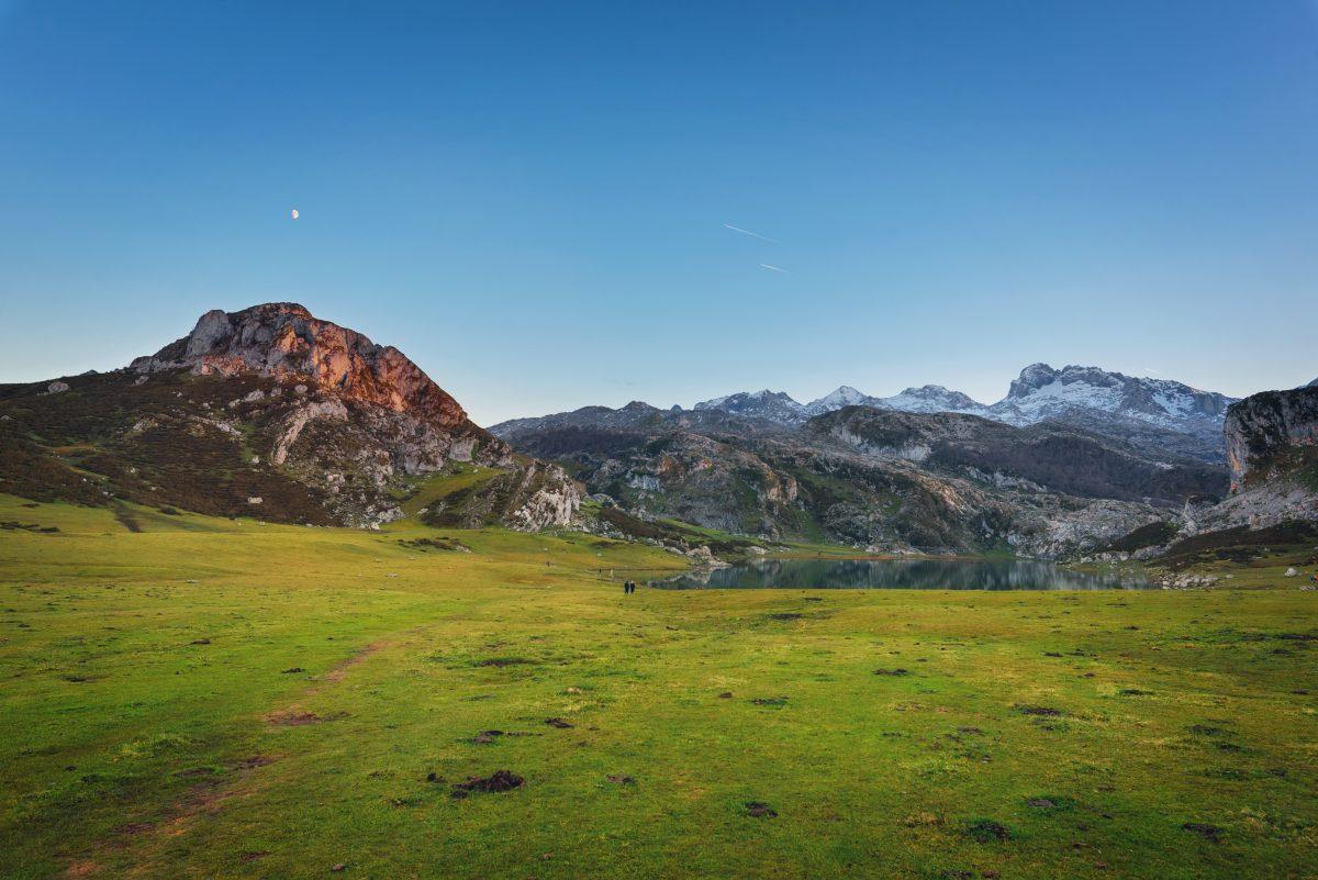 Descubre el encanto de nuestro país con el itinerario en furgoneta por el norte de España que te proponemos - RentalVan