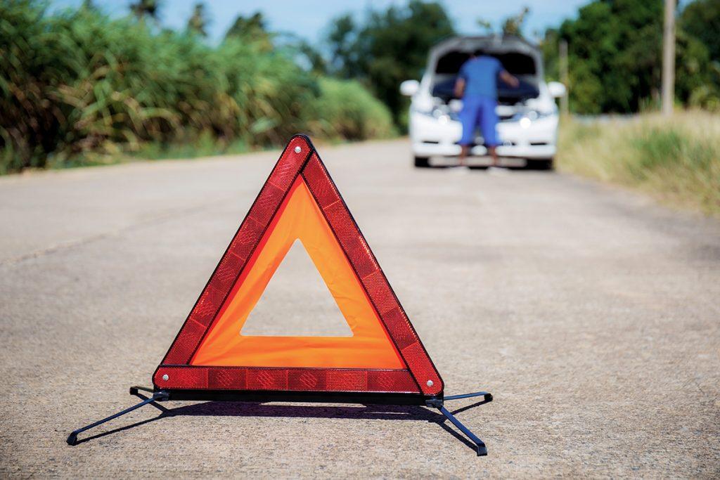 Qué hacer si te quedas tirado en la carretera